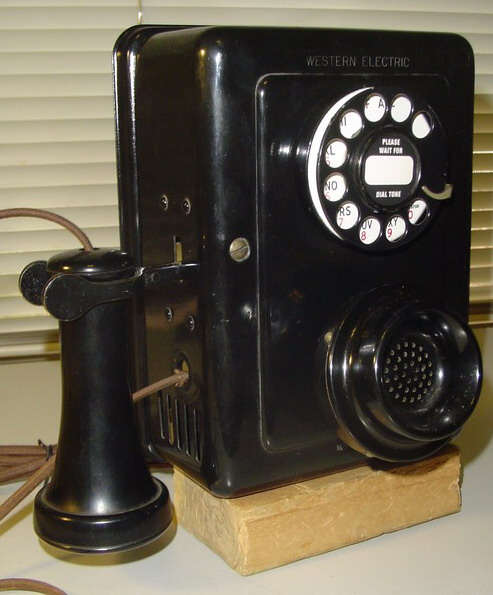 WE 553A wall phone front